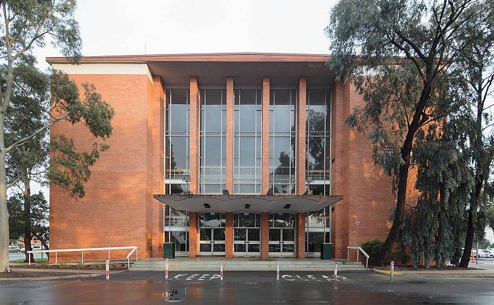 Suburban civic – Broadmeadows Town Hall